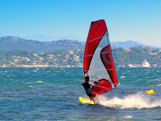 surfen in spanje windsurf